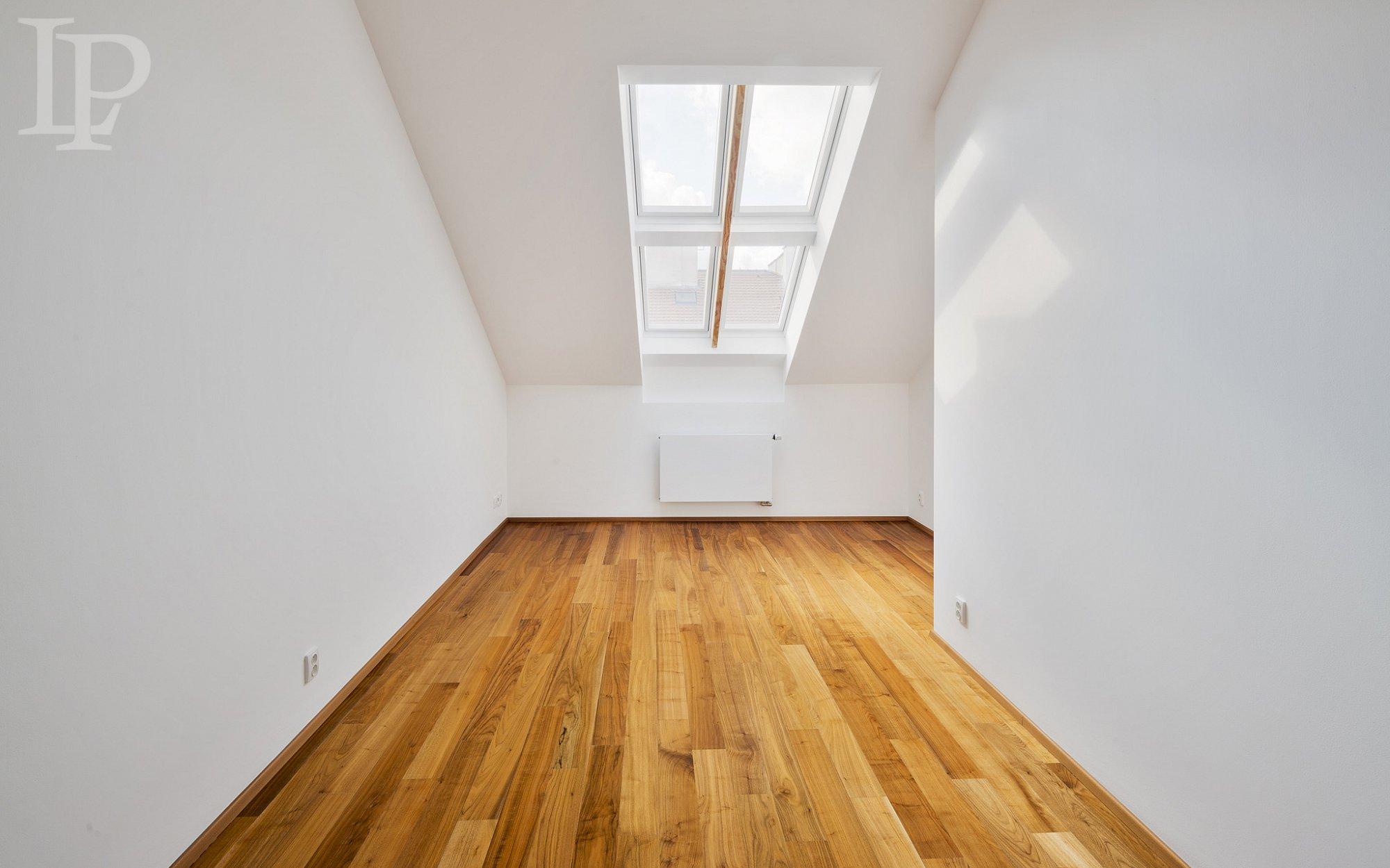Krásný moderní mezonetový byt (3kk)