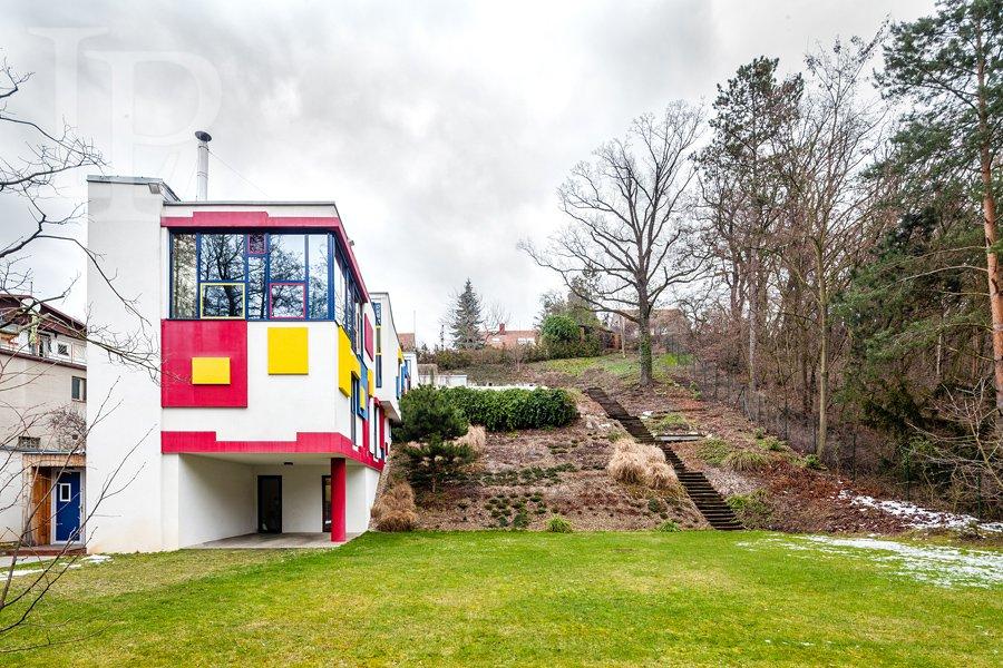Luxusní dům 7kk , 577m2, v přírodním parku, vn. bazén, terasy , 2340m2, Hostivař
