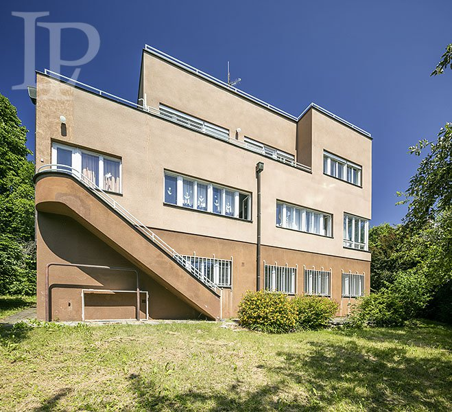 Exclusive historic villa in Hanspaulka with a sauna and views of Prague Castle, Prague 6