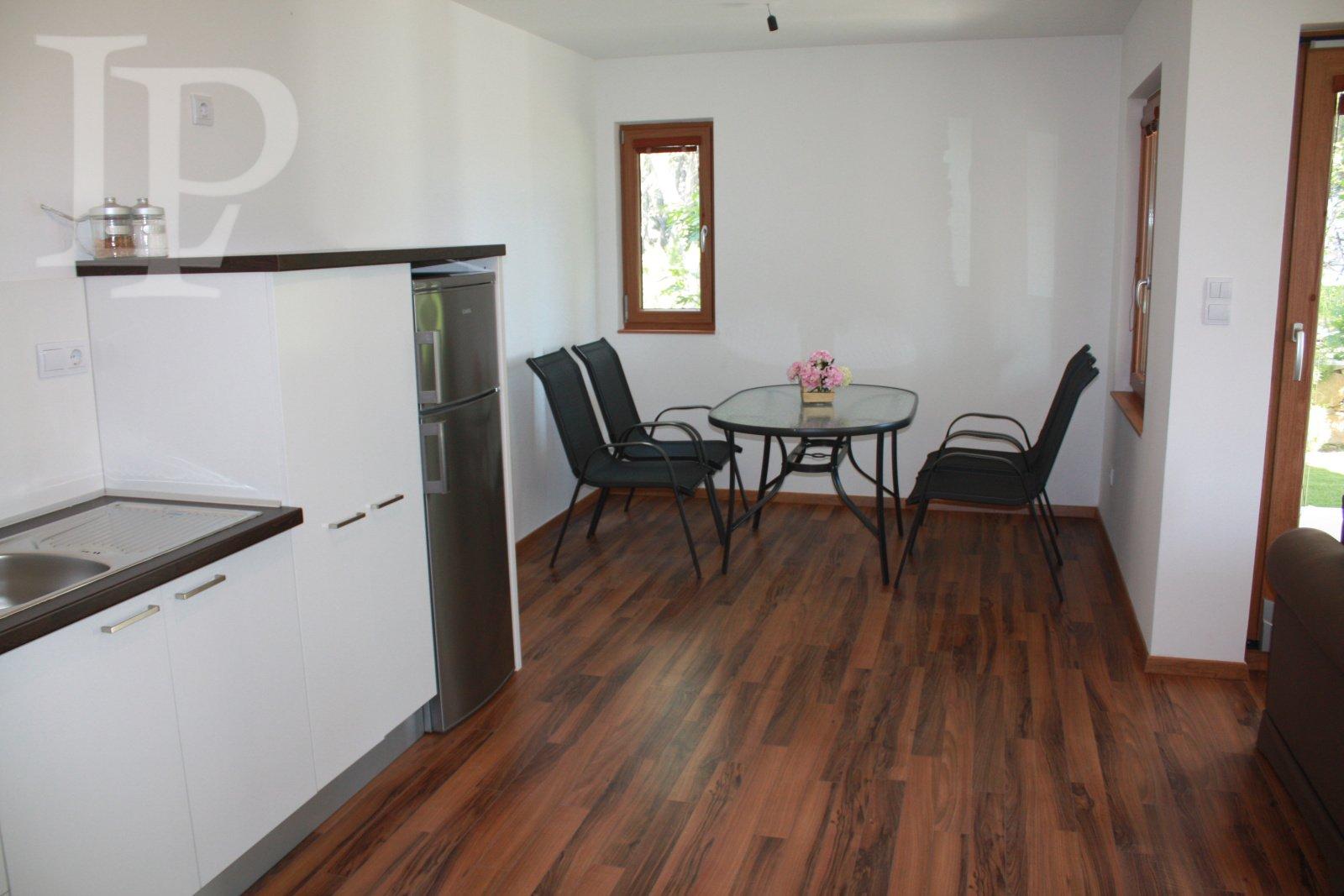 Luxusní plně vybavený apartmán, Hvar, Chorvatsko 54 m2