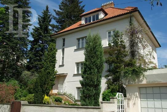 Luxusní prvorepubliková vila s bazénem a saunou, 450 m2, Praha 4 - Hodkovičky