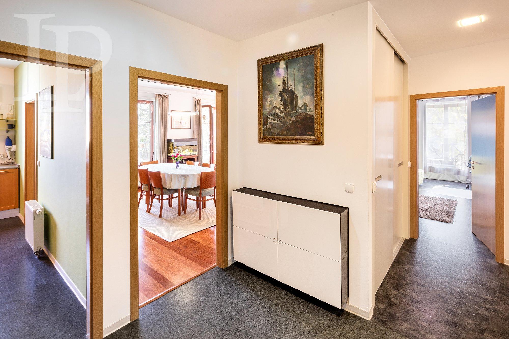 Prodej byt  4+1, 135 m2 s balkonem, garáž.stáním,u parku, Kavčí hory