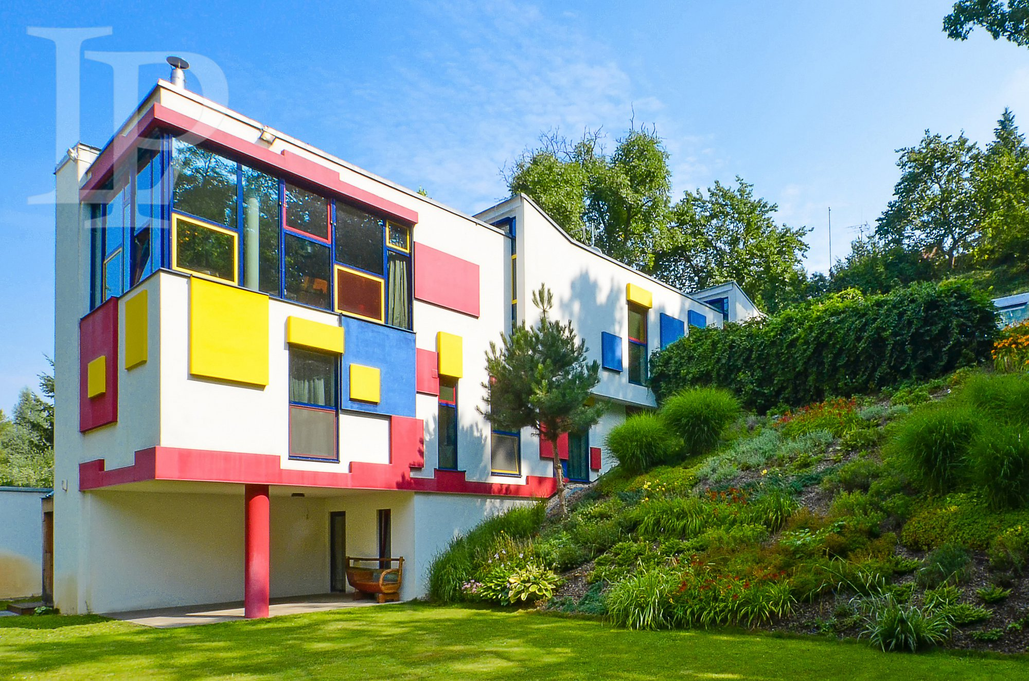 PRONÁJEM Luxusní dům 7+kk , 577 m2, v přírodním parku, vn. bazén, 2340 m2, Hostivař