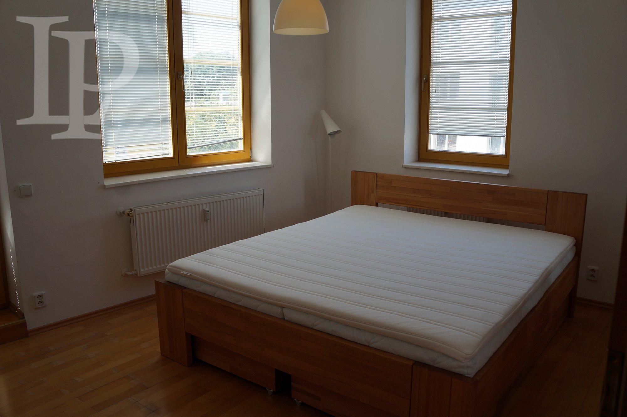 Prodej bytu 4+kk, osobní vlastnictví, cihla, ul. Na Okraji, Praha 6
