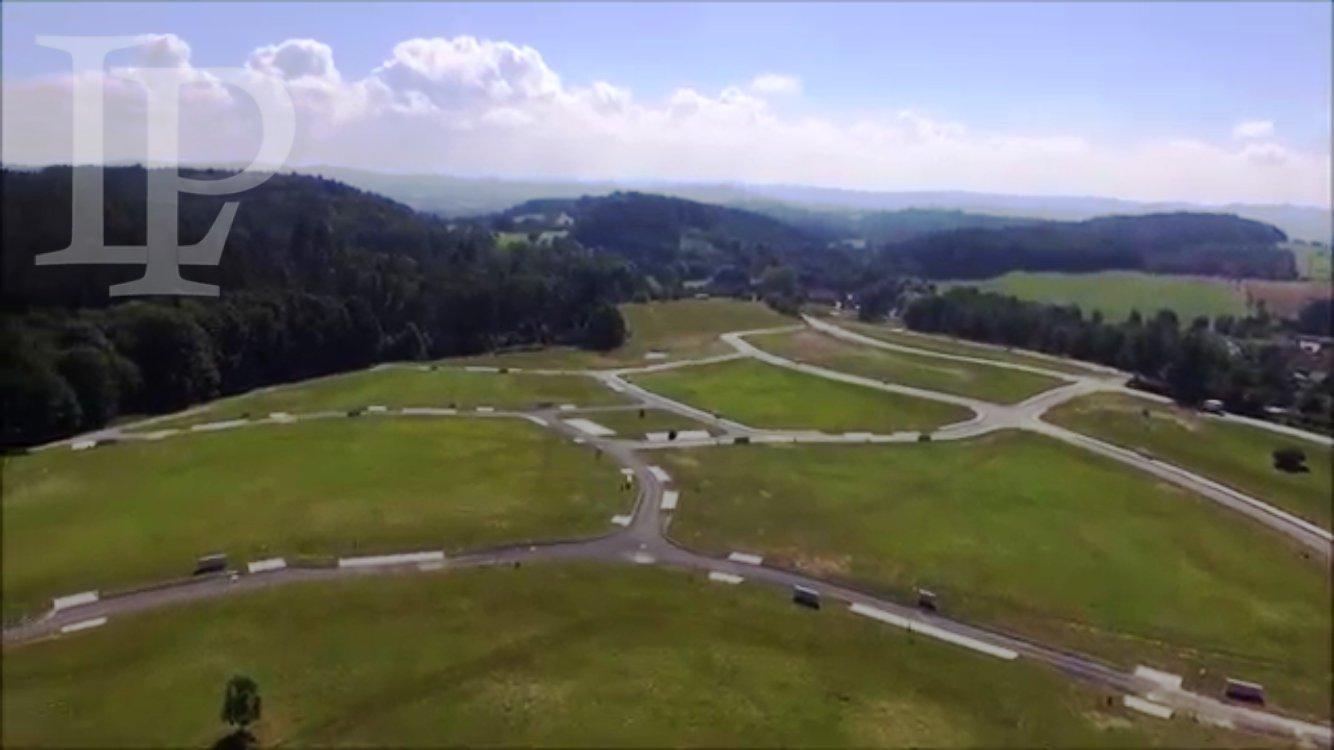 Luxusní stavební pozemek 2667m2 s výhledem do přírody, klid lesa, kouzelné místo blízko u Prahy