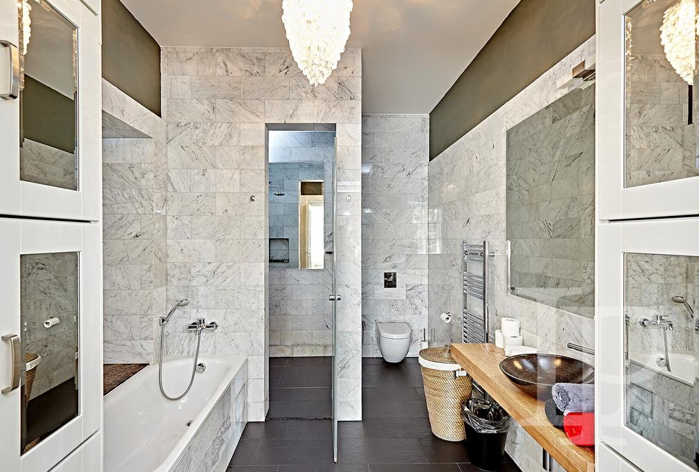 Nadstandardní apartmán s výhledem, 177 m2, Praha 2
