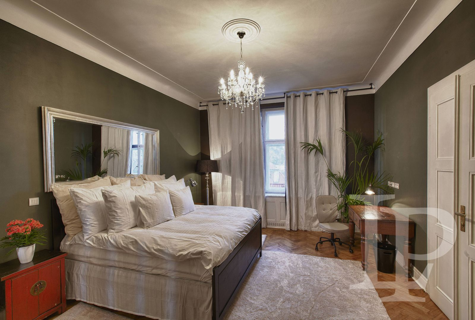 Luxusní apartmán s výhledem na Prahu, Praha 2