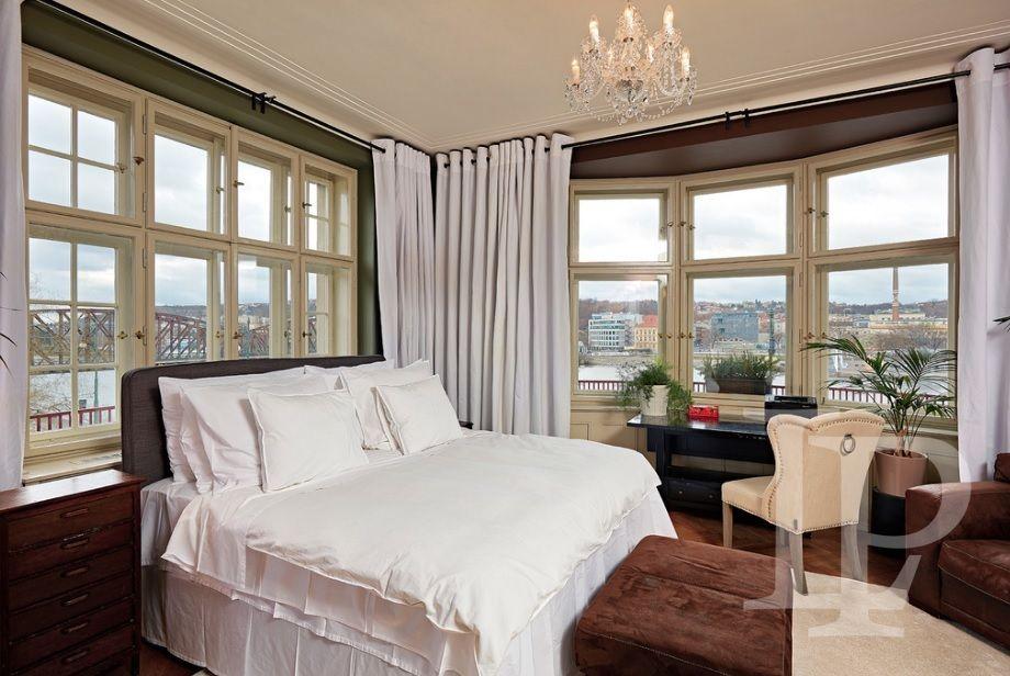 Luxusní nadstandardní apartmán s výhledem 5+1, 180 m2, 2 koupelny,Praha